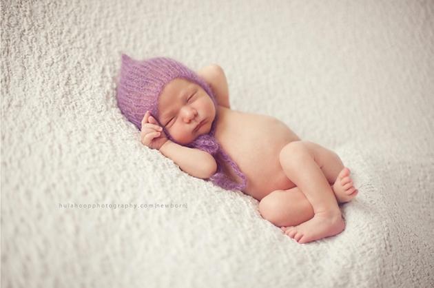 Newborn photography studio vs lifestyle