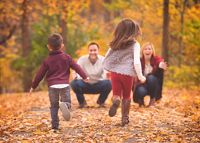 Ten things your photographer will never tell you but for Fall family picture ideas outside