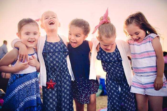 TracySweeney_ElanStudio_Girls_with_friends_2