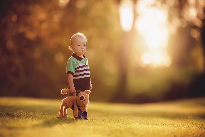 TracySweeney_ElanStudio_boy_with_teddy_bear_10