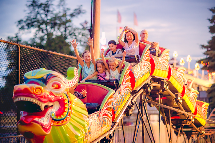 TracySweeney_ElanStudio_kids_on_carnival_ride_14
